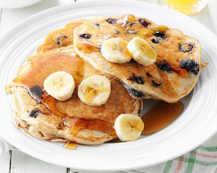 blueberry pancakes for athlete nutrition - baxtersports